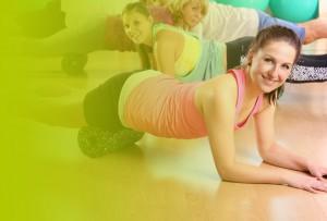 Drei Frauen beim Faszien-Workout